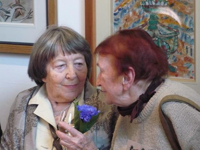 Nestorki wybrzeżowego malarstwa. Od lewej: Urszula Ruhnke-Duszeńko oraz Boguchwała Bramińska. Obie panie studiowały w pracowni prof. Juliusza Studnickiego.